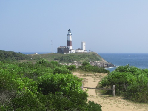 trail leading to Montauk Lighthouse along cliffs on ocean