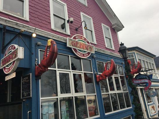 View of Geddy's Restaurant, lobster claws decorating storefront
