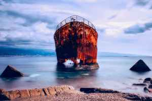 Shipwreck on pixabay.com
